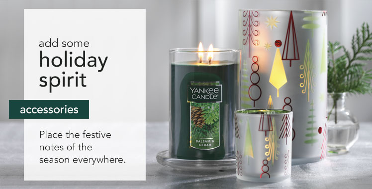 Candle Accessories: Add some holiday spirit. Place the festive notes of the season everywhere.